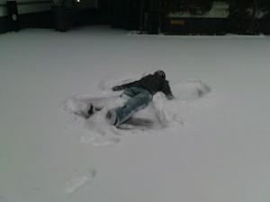 studenten_snow_fun_3_schneeengel