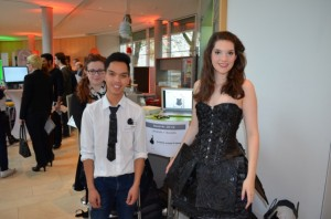 Andrew mit Laura im Lakritzkleid auf der Future Convention