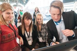 Designstudenten bei Viscom-3