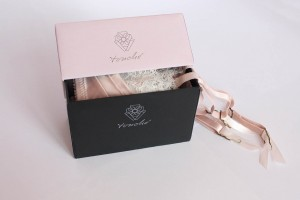 Mittlere rosa Box