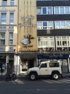 Designstudentin auf Entdeckungstour in Köln