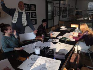 Designstudenten zeichnen