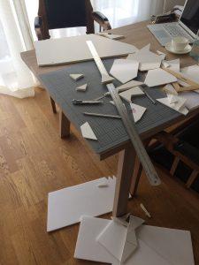 Schreibtisch eines Designstudenten