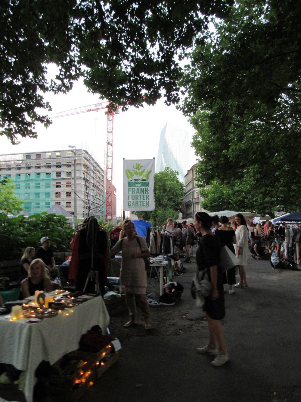 Flohmarkt Frankfurt Weiss