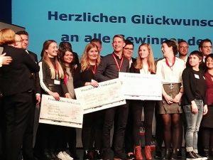 Designstudentin_Laura_Hess_bei_der_Preisverleihung_Future_Award