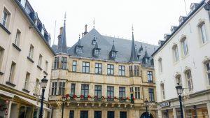 Designstudentin aus Frankfurt besucht Komillitonin in Luxemburg