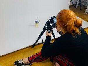 Designstudentin fotografiert Cocktails