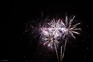 Designstudent fotografiert Feuerwerk