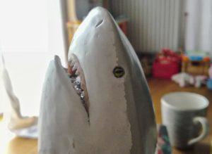 Studentin baut einen Hai