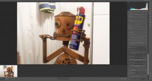 Designstudentin baut Roboter für Print Kampagne