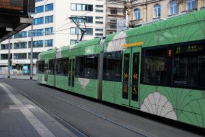Designstudentin entwirft Straßenbahn