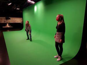 Designstudentinnen besuchen interaktives Filmmuseum 2